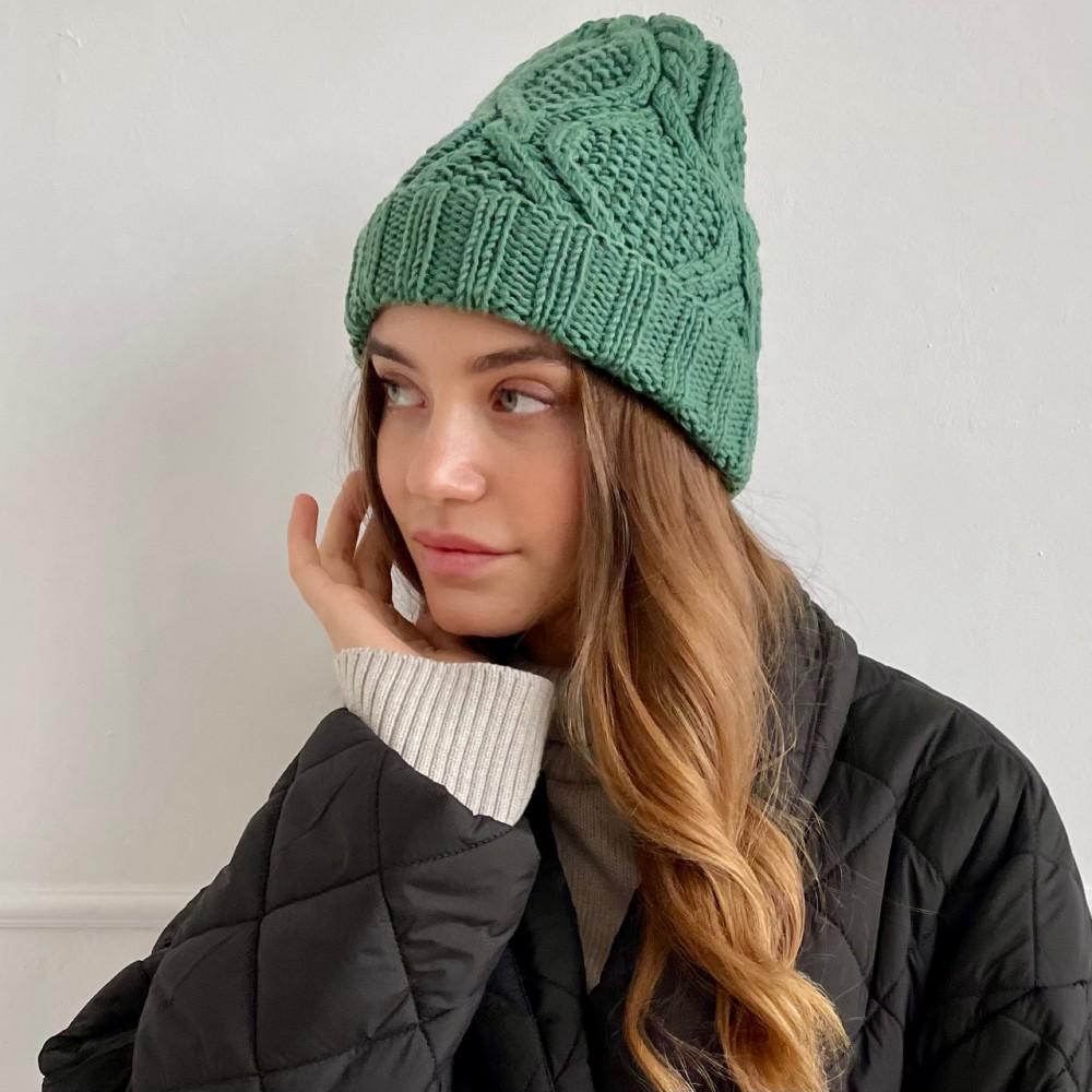 HANDMADE hat, green, 100% merino wool
