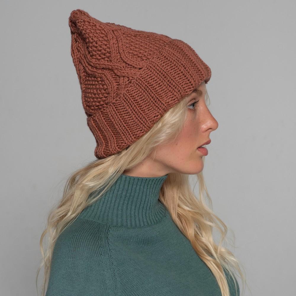 HANDMADE hat, terracota, 100% merino wool