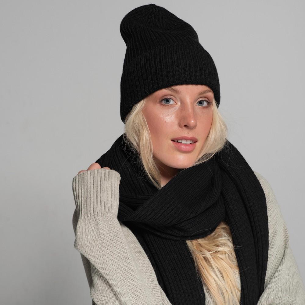 Black hat and scarf 100% merino wool set