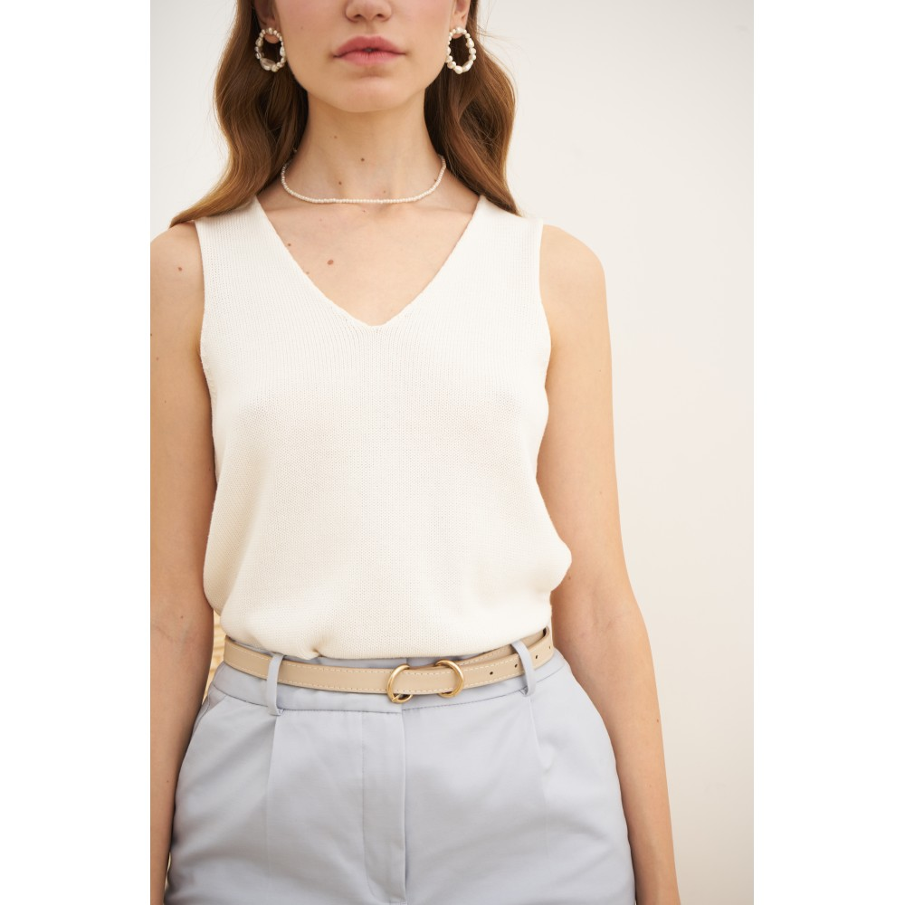 Knitted top, milky-white